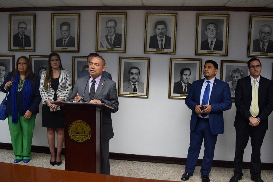 Migraci n presenta ante asamblea legislativa ley en for Ministerio de migracion