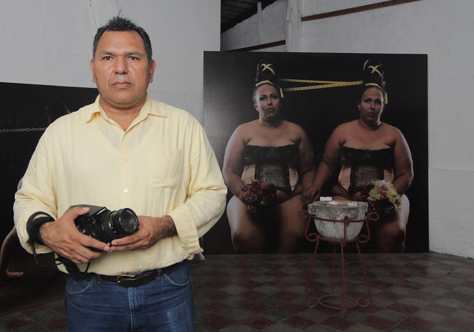 """22cf314846 Teyo Orellana, fotógrafo: """"Prefiero fotografiar gorditas que modelos ..."""