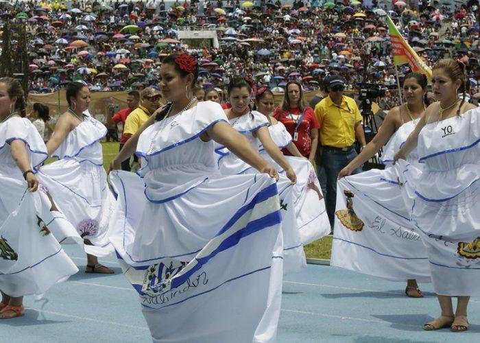 Las privadas de libertad bajo el programa Yo Cambio participaron del desfile | Foto Presidencia